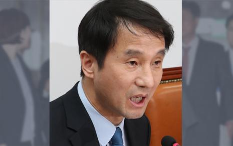 화기애애, 신경전, 훈계...  '청와대 흰 봉투' 운명은?