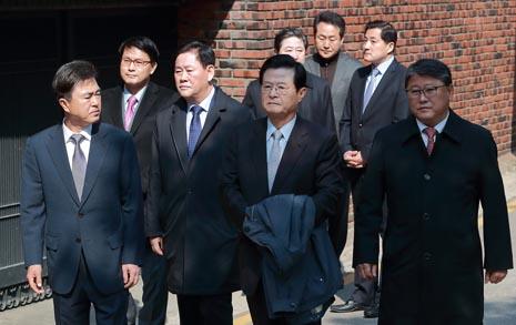 """안봉근 """"박근혜, 친박  의원들에 특활비 줬을 것"""""""