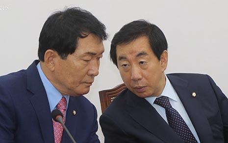 """김성태 들이받은 한국당  중진들 """"즉각 사퇴해야"""""""