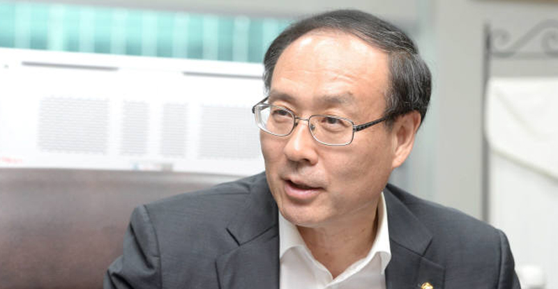 오세정, 국회의원직 버리고 서울대 총장 선거 출마