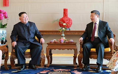 """김정은 """"한 집안"""", """"확고부동한 지지"""" 시진핑에 답신"""