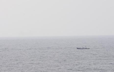 삼척항 표류 북한 선원 2명 귀순, 2명은 송환