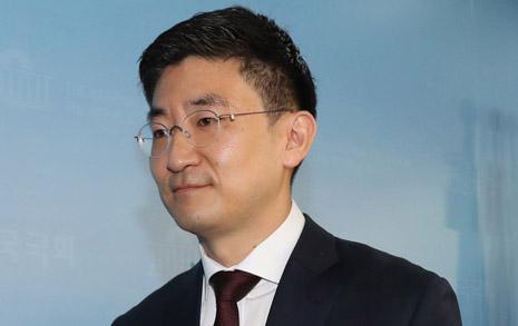 민주당 들썩이게 만든 3선 김세연의 퇴진