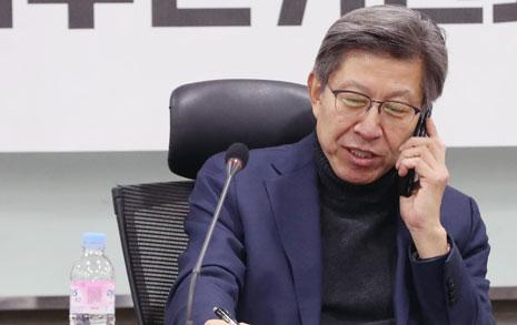 """""""박형준 사퇴하라""""... 보수통합 벌써 '삐걱', 왜냐면"""