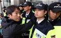 [오마이포토] 경찰에 막힌 세월호 가족