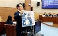 '안상수 계란투척' 시의원, 본회의서 큰절 '억울하다'