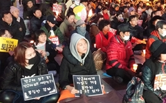 """""""주말 없이 촛불 드는 이유? 대한민국 바꾸자는 것"""""""
