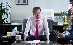 홍준표가 김대중 띄우고 노무현 비난하는 이유