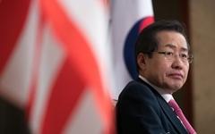 """[오마이포토] 홍준표 """"한국의 트럼프? 난 합리적으로 해결"""""""