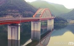 '녹조 호수'로 변한 남한강... 낚시꾼들이 그립다