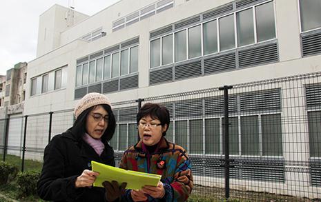 윤동주와 함께 후쿠오카 형무소 터에서 노래를 부르다