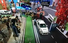 글로벌 자동차업체들이 CES 전시장에 몰려간 까닭