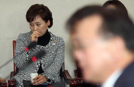 김현미 장관, 지방 아파트 값 하락에 겁 먹었나
