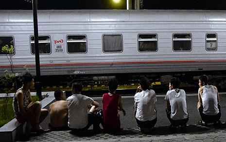 시베리아 열차 삼등석  북한 노동자를 만났다