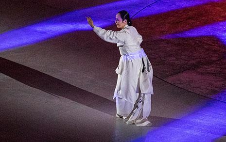 """[오마이포토] 패럴림픽 성화, """"운명 바꾸는"""" 도살풀이와 함께 사라져"""