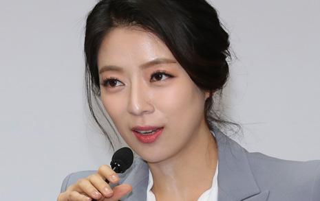 '피해자 코스프레' 배현진  소시지빵 잊었나?