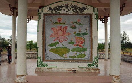 베트남 간 문 대통령, 연꽃 비석을 아십니까?