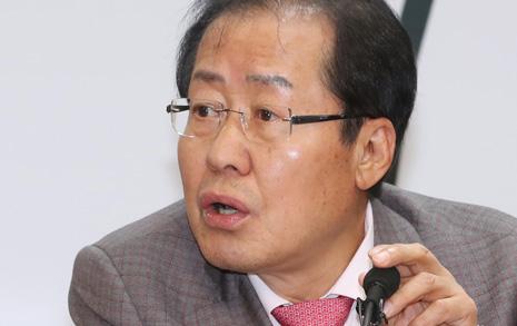 '한국갤럽-리얼미터 문제'  홍준표 발언, 거짓이었나