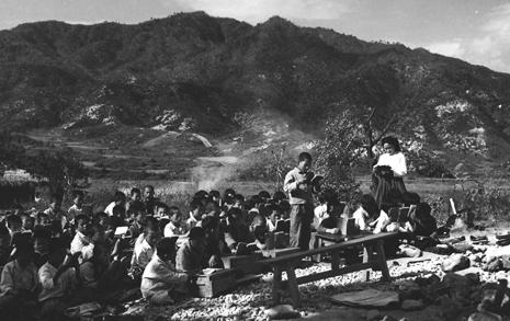 한국인의 교육열은 전쟁도 무색케 만들었다