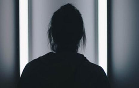 폭력의 대물림,  아버지를 닮아버린 딸