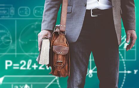 저는 성평등을 가르치는  남자 교사입니다