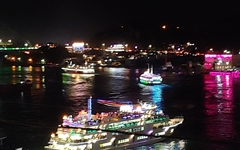 역대급 인파에 통신도 두절... '여수밤바다 불꽃축제' 어떻길래