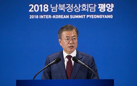 """문 대통령 """"김정은, 비핵화 빨리 끝내고 경제발전 집중 희망"""""""