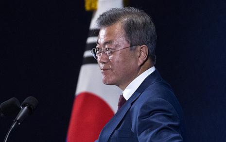 """문 대통령 """"종전선언으로 출발, 완전한 비핵화 때 평화협정"""""""