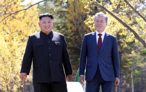 문재인-김정은이 북한서 함께 보낸 시간은?