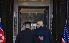 """트럼프 """"김정은으로부터 이틀전 멋진 편지 받았다"""""""