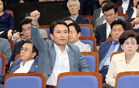 아파트 분양원가 공개, 최종 승자는 자유한국당?