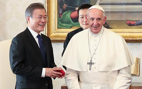 """""""교황, 북한 논란  극복하고 방북 강행할 것"""""""