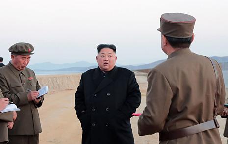 김정은 첨단전술무기 시험, 미국 향한 최종 카드?
