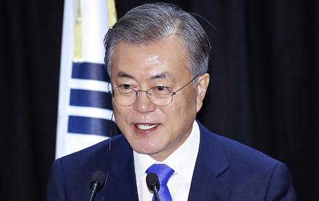 """""""문 대통령 말바꿔 다행""""이라는 <조선> 사설은 '모순'"""