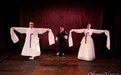 조선시대 춤꾼들의 사랑과 인생을 다룬 연극 '미롱' 무대 올라