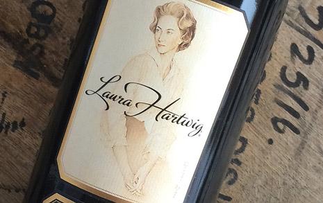 강건함과 우아함이 공존하는 와인, 로라 하트윅