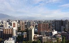 칠레 산티아고에서 만난 여성 시위대, 이유 묻자...