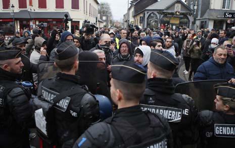 노란조끼 + 노조 : 교원, 법률가, 대학 총장까지... 프랑스의 총파업