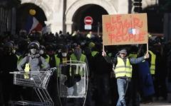 """노란조끼 집회 가는 친구의 말... """"프랑스 경찰이 더 무섭다"""""""
