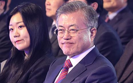 문재인 대통령, 내일 자영업자·소상공인 만난다