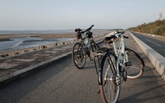 타이완에서 첫 일몰, 그것도 자전거 위에서