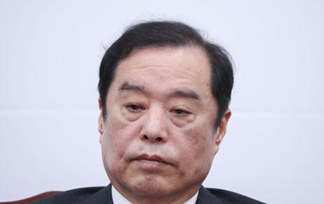 한국당 김병준 사과는 연막탄이었나