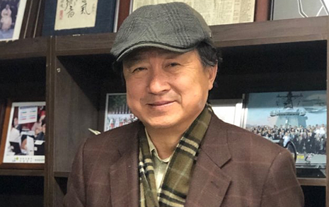 """소설가로 데뷔한 '천신정'의 '신'  """"발칸=비극, 선입관 깨고 싶었다"""""""