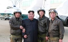 이틀째 군으로... 김정은, 신형전술유도무기 사격시험 지도