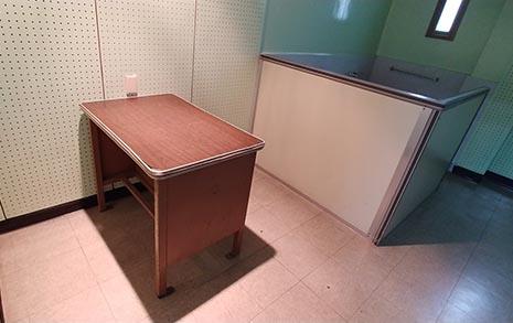 경찰이 떠난 후 보일러실에서 찾은 '고문실' 설계도