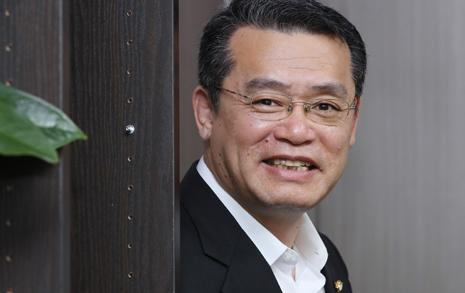 20대 탈북남매의 '양아버지' 된 국회의원, 이 법안 낸 까닭