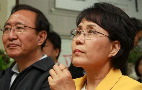 아내 김지선이 보궐선거에 나섰으나