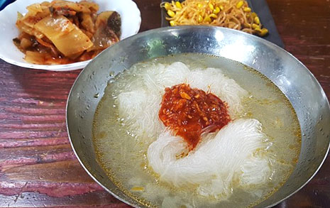 북한음식 '감자국수', 과연 어떤 맛일까요?
