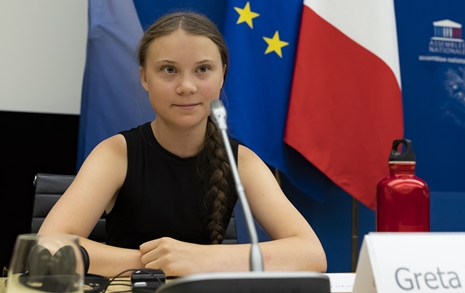 16살 소녀에게 막말한 정치인... '폭염' 중에 벌어진 일