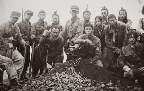 '봉오동' 홍범도는 '암살' 김원봉의 길 갈 수 있을까